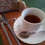 アブリ ラ フォレ桜亭 - セットの紅茶(ヨウコウ)