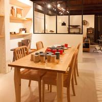 グッドネイバーズ - 二階には家具、雑貨。