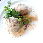 ラキュイエール - 2014年4月のランチ(1,000円)のメイン「オーストラリア産 豚フィレ肉とデュクセルのクレピーヌ ~ベーコンと玉ねぎのソース~(+400円)」