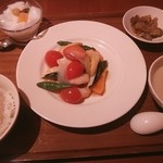 Bejichainanangokushuka - 海老の炒めもの