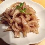 上海厨房 味楽 - 沖縄のミミガーよりずっと手間がかかっていて、プリプリ美味しい