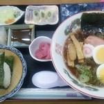西沢渓谷蒟蒻館 - このボリューム ラーメン定食