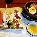 祇園畑中 - 強肴(松葉蟹・胡瓜諸味添え)、焼肴(杉板焼、河豚・のどぐろ他)