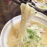 錦海楼 - リフトアップ♪ 麺は柔らかい。。