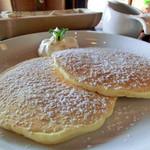 桜花 - 料理写真:桜花特製あんことホイップのパンケーキ(かける前)