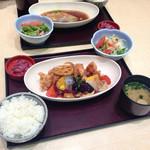 和ぐるめ - 純輝鶏と野菜の黒酢和え定食 ¥950