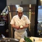 創作割烹 おおた - 店主の、太田智彦さんです