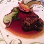 26649378 - 牛フィレ肉のステーキ 三種の野菜のパニエ仕立て  (フォアグラはオプション:+600円)