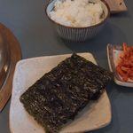 焼肉ハウス ファミリー - 韓国のりとごはん(中)
