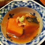 26655573 - 瓢箪弁当 カボチャの煮物、そぼろがけ ワサビ添え