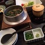 26661337 - 鶏と山菜の釜飯                       1150円                       茶わん蒸し                       250円                                              美味しいです(^^)