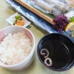 御宿 海舟 - ご飯、漬物、お吸い物(いか活造り定食)