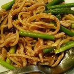 曼陀羅家 - ニンニクの芽と豚肉炒め
