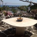 ガーデンカフェドットコム - お庭のテーブル