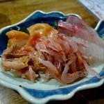 ちょい呑み処 おかやん - 三点、間八、赤貝、桜エビ