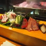 海鮮居食屋 活 - おまかせ刺身盛り合わせ