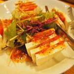 海鮮居食屋 活 - トマトと島どうふのサラダ¥690
