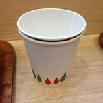 みつせ鶏本舗 - 珈琲は紙カップで・・・