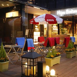 リゾート感溢れる都会のオアシスでゆっくりお食事を!!