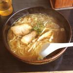 赤とうがらし - 料理写真:中華ラーメン 400円