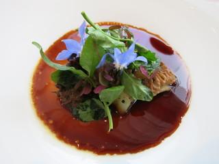 エスキス - オードブル フォアグラのブランマンジェとモリーユ茸 グラニースミス 鴨肉とコンソメのソース