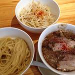 26675703 - 鰹次郎つけ麺200g野菜増し