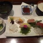 天松 - お刺身定食(1400円)