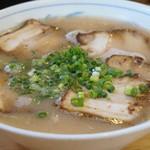 いってつ - 700円『チャーシューメン(麺:ややカタ指定)』2014年5月吉日
