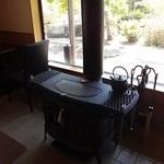 和カフェスペース - 薪ストーブ