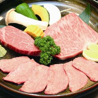 厳選したお肉を心ゆくまで楽しめます!