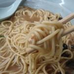 仙八来来軒 - 麺は太目ストレート丸麺