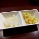 天丼の岩松 - 天丼に大根おろしに付くのが嬉しい。