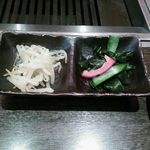 Yakiniku TAIGA - モヤシのナムルと酢のもの?