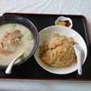 紅虎菜館 - 料理写真:組み合せ丼セット