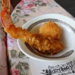 わたぼうし - (第1回)季節のお弁当の天ぷら(もうひとつ茄子の天ぷらがありましたが、食べてしまいましたw)