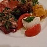 トラットリア ダ・テレーサ - 前菜のトマトとモッツァレラ