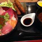 26718100 - 海鮮丼とマグロ串カツ( ´ ▽ ` )ノ