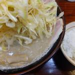 らーめん むげん - 味噌辛ネギチャーシュー麺