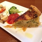 CASA CARINO - 釜揚げシラスと玉葱、小松菜のキッシュ