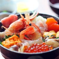 食堂うしお - 豪華12種特選海鮮丼¥3500