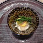 26724060 - 蓋物 昆布〆の長芋 甘海老の黄身酢掛け 四万十の海苔