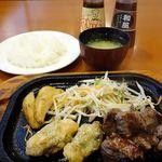 レストランさとう - 今月の限定ランチメニュー    (サイコロステーキと若どりの梅肉包み揚げ) 1