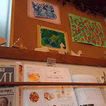 Community Cafe ♭ - 店内壁の様子
