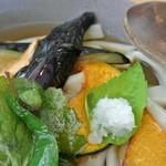 おおむろ軽食堂 - 素揚げ野菜には季節のものも