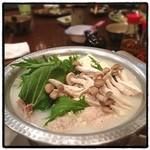 琉球島料理 田芋 - 久米島鶏の水炊き。 優しい旨味がたっぷり。 沖縄、思いの外、寒いぞ。