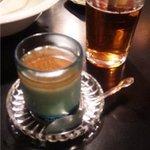 ぐるぐるかふぇ - カレーセット(830円)のチャイプリンとあたたかい烏龍茶