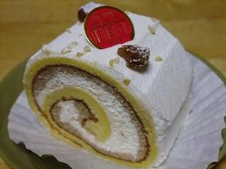 サロン・ド・テ アンジェリーナ 松山三越店 - 【モンブランロール(367円)】分厚くてリーズナブルな一品。