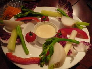 千年葡萄家 - 野菜のディップ 白みそとゴルゴンゾーラ 580円