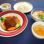 カサブランカ - 【ご夕食】じっくり煮込んだ柔らかビーフシチュー 1,700円