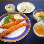 カサブランカ - 【ご夕食】洋食屋さんのジャンボエビフライプレート 1,500円